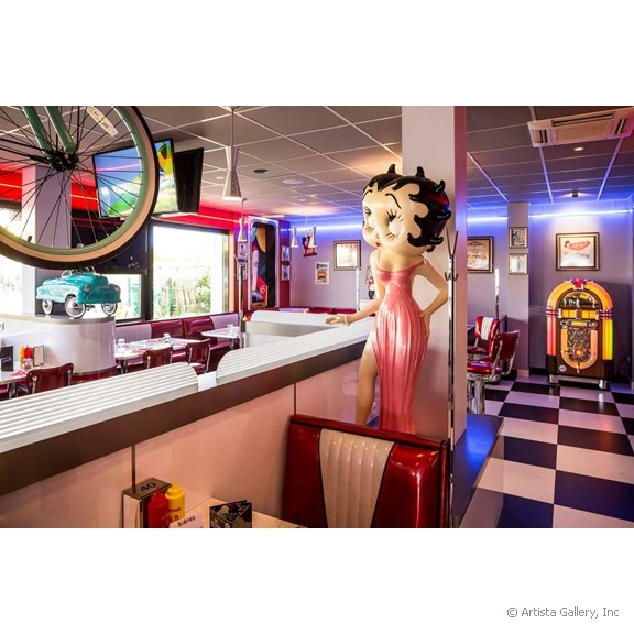 quarterback_american_house_restaurant_diner_betty_boob_at_counter